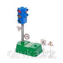 Светофор «Город», русская озвучка, с дорожными знаками, работает от батареек, МИКС, в пакете