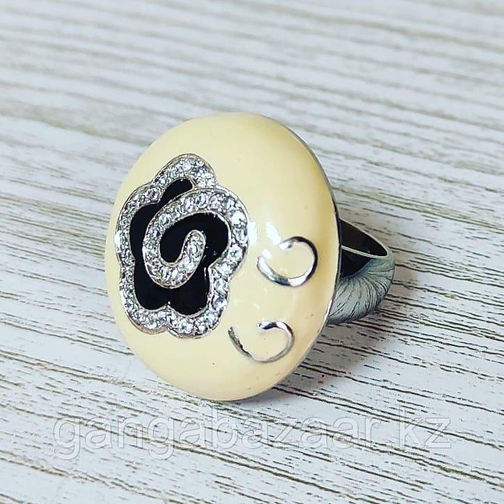 Кольцо из серебра, эмали и фианитов