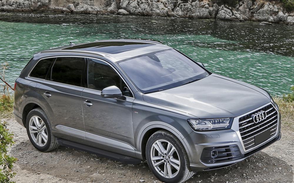 "Пороги ""Black""  Audi Q7 (2015-2019)"