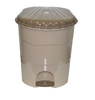 Контейнер д/мусора 11,0л с педалью, латте-капучино (Violet plast, Россия)