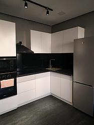 Кухонные гарнитуры черно белые 1