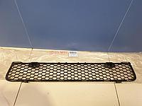 6400B397 Решётка в бампер центральная для Mitsubishi Lancer CX CY 2007- Б/У