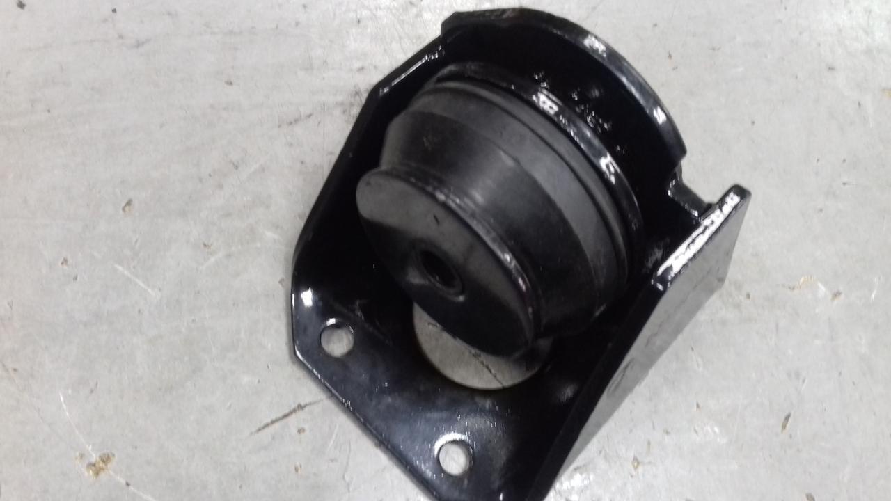 Кронштейн крепление двигателя с подушкой (подушка) (правая) DZ9114598319