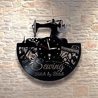 Настенные часы из пластинки Швейная мастерская, подарок портному, швее, портнихе, 0563