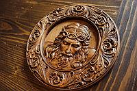 Икона резная из дерева Спаситель в терновом венке, диаметр 14 см