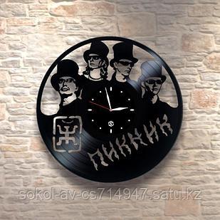 Настенные часы из пластинки, группа Пикник Эдмунд Шклярский, подарок фанатам, любителям, 0052