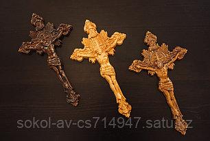 Панно крест резной настенный из дерева  Распятие с лучами, 14.2 x 24.7 см
