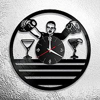 Настенные часы из пластинки Бармен, подарок бармену, в бар, паб, кафе, ресторан, 1071