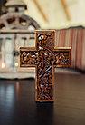 Панно крест резной настенный из дерева Лоза, 11,8 x 16,9 см, фото 3