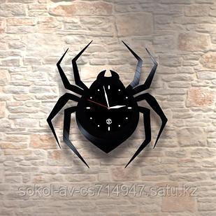 Настенные часы из пластинки Паук, подарок любителям пауков, 0110