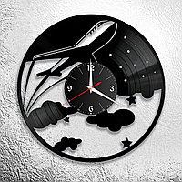 Настенные часы из пластинки интерьерные Самолет, подарок пилоту, летчику, стюардессе, аэропорт, 0983