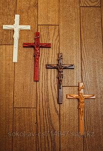 Панно крест резной настенный из дерева Распятие, 12.6 x 21.6 см