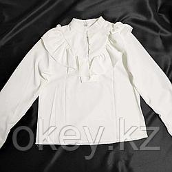 Рубашка белая с оборочками