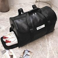 Сумка спортивная дорожная с боковым карманом для обуви и плечевыми ремнями кожаная 716 50*27*27 см черная
