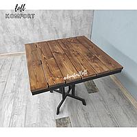 Стол из деревянных досок лиственницы