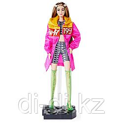Кукла Barbie BMR1959 коллекционная в розовом плаще с белыми заколками GNC47