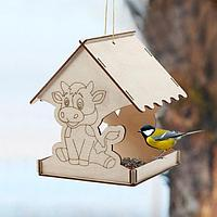 Кормушка для птиц «Бык новогодний», 18 × 16 × 15 см