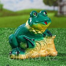 """Садовая фигура """"Жаба на монетах"""", зелёный цвет, 20 см"""