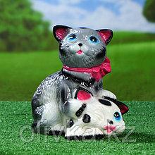 """Садовая фигура """"Коты с бантом"""", серо-белая, 25 см"""