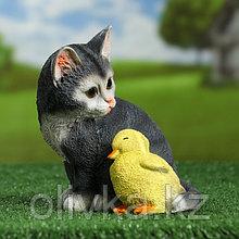 """Садовая фигура """"Котенок с уточкой"""" серый, 19х16,5см"""
