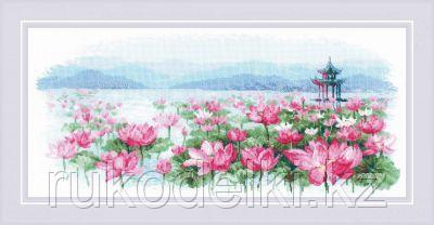 """Набор для вышивания крестом """"Поле лотосов, Пагода на воде"""""""