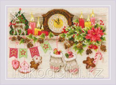 """Набор для вышивания крестом """"Рождественская полка"""""""
