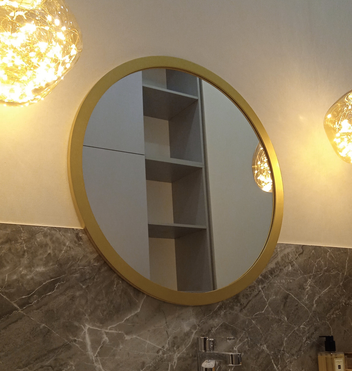 Круглое зеркало в деревянной раме ARGO, 30мм, d=651 мм