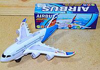 8610 Airbus A3810 пассажирский самолет на батар, муз,ездит, 22*17см, фото 1