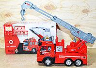 89-305B Пожарная машина муз,свет,движение на батарейках 26*15см