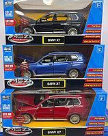 Коллекционная модель BMW X7 металл 1:32 Die Cast Collection MSZ