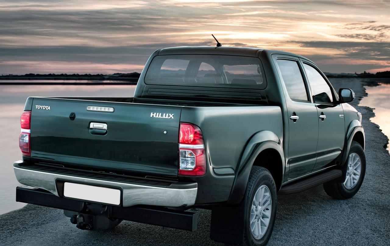 """Пороги """"Premium-Black"""" Toyota Hilux (2005-2015)"""