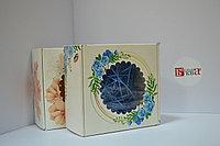 Коробка 16*16*9 см с окном, с цветочным принтом