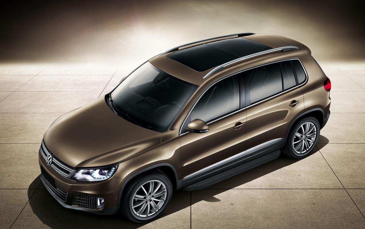 "Пороги ""Premium-Black"" Volkswagen Tiguan (2007-2017)"