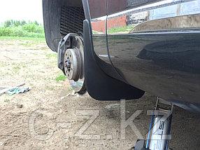 Брызговики для Volkswagen Touareg (2010-2018) Передние (пара), фото 2