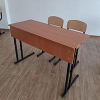 Парта и два стула