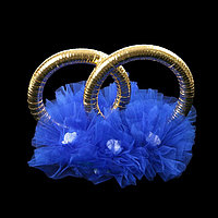 Кольца с фатином и латексным цветком , синий