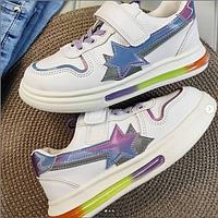 Есенние кроссовки для девочки