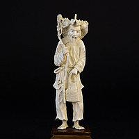 Окимоно «Эбису » покровитель рыбаков, а так же символ карьерного роста. Слоновая кость