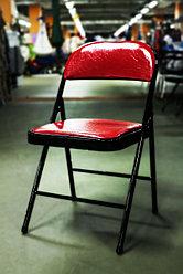 Складной металлический стул, красный