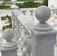 Токарные изделия из мрамора. Перила и балясины - ограждения из белого мрамора