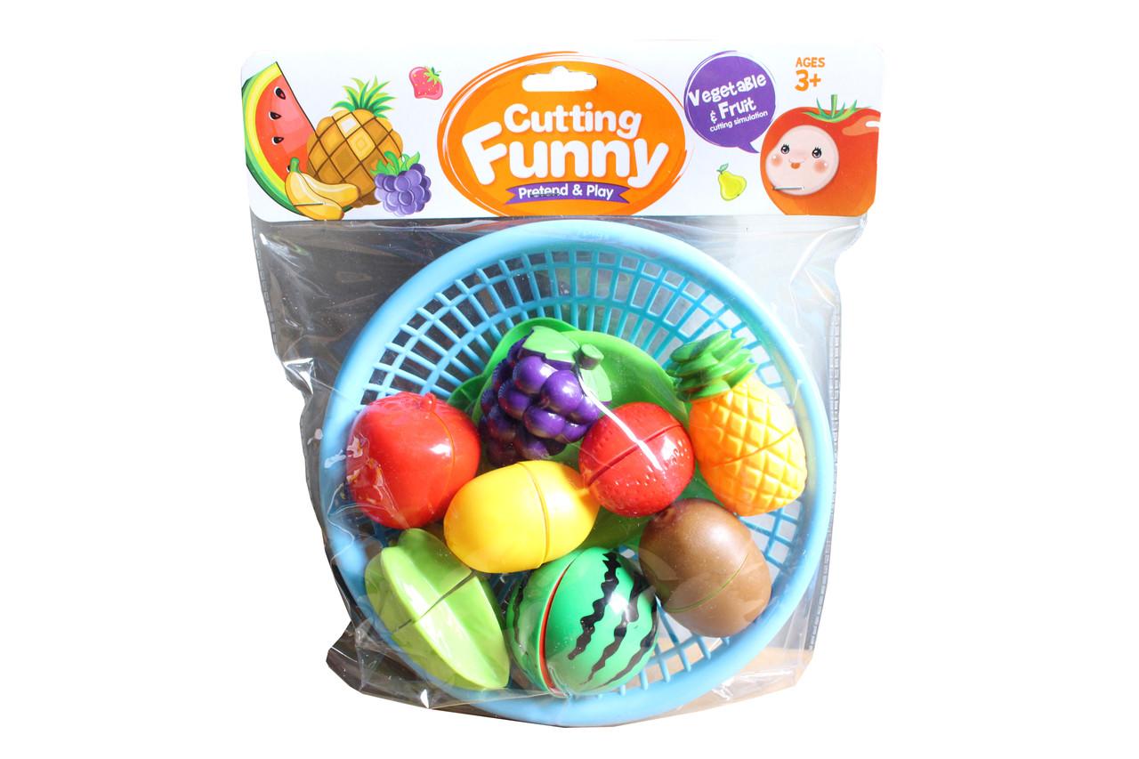 Нарезные фрукты в тарелке 6503