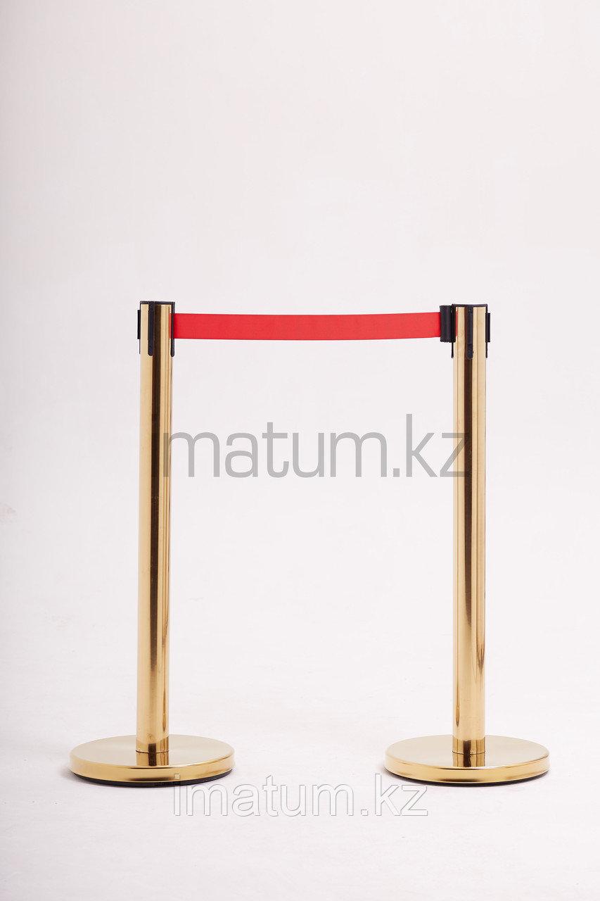 Столбик ограждения с вытяжной лентой