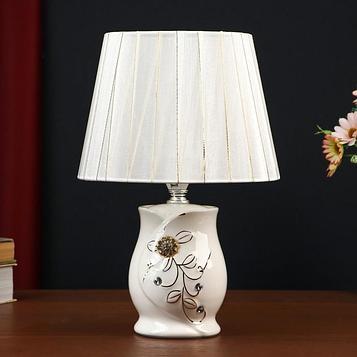 """Лампа настольная """"Сияющие цветы"""" 1х40Вт E14 белый 20х20х30 см"""