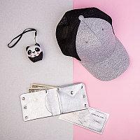 Набор подарочный O GIRLIE: беспроводная колонка (панда), портмоне, бейсболка, коробка с наполнителем, серый,