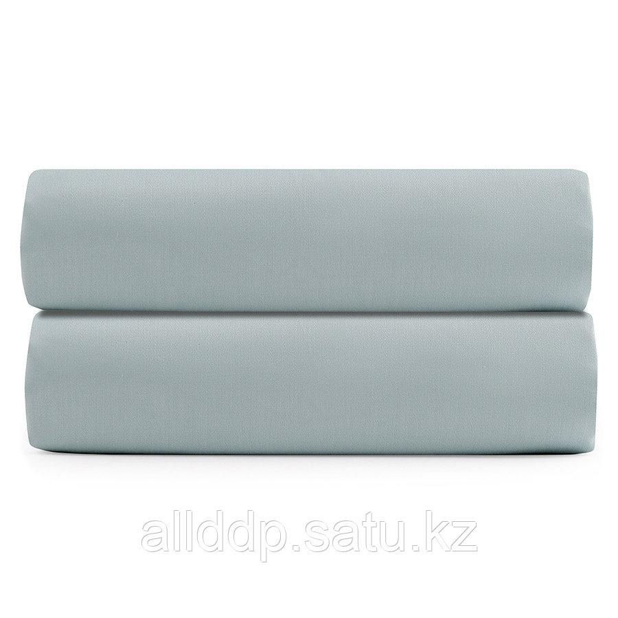 Простыня на резинке из сатина голубого цвета из коллекции Essential, 160х200 см