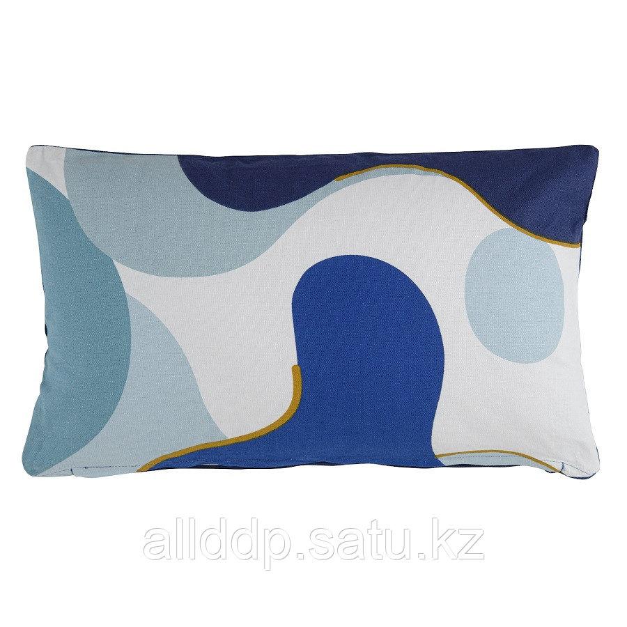 Подушка декоративная из хлопка синего цвета с авторским принтом из коллекции Freak Fruit, 30х50 см