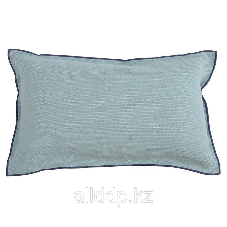 Чехол на подушку из фактурного хлопка голубого цвета с контрастным кантом из коллекции Essential, 30х50 см