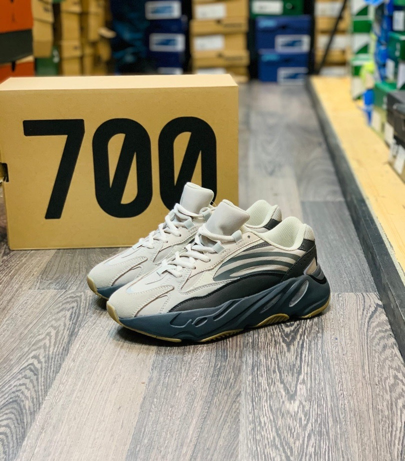 "Adidas Yeezy 700 V2 ""Tephra"" - фото 1"