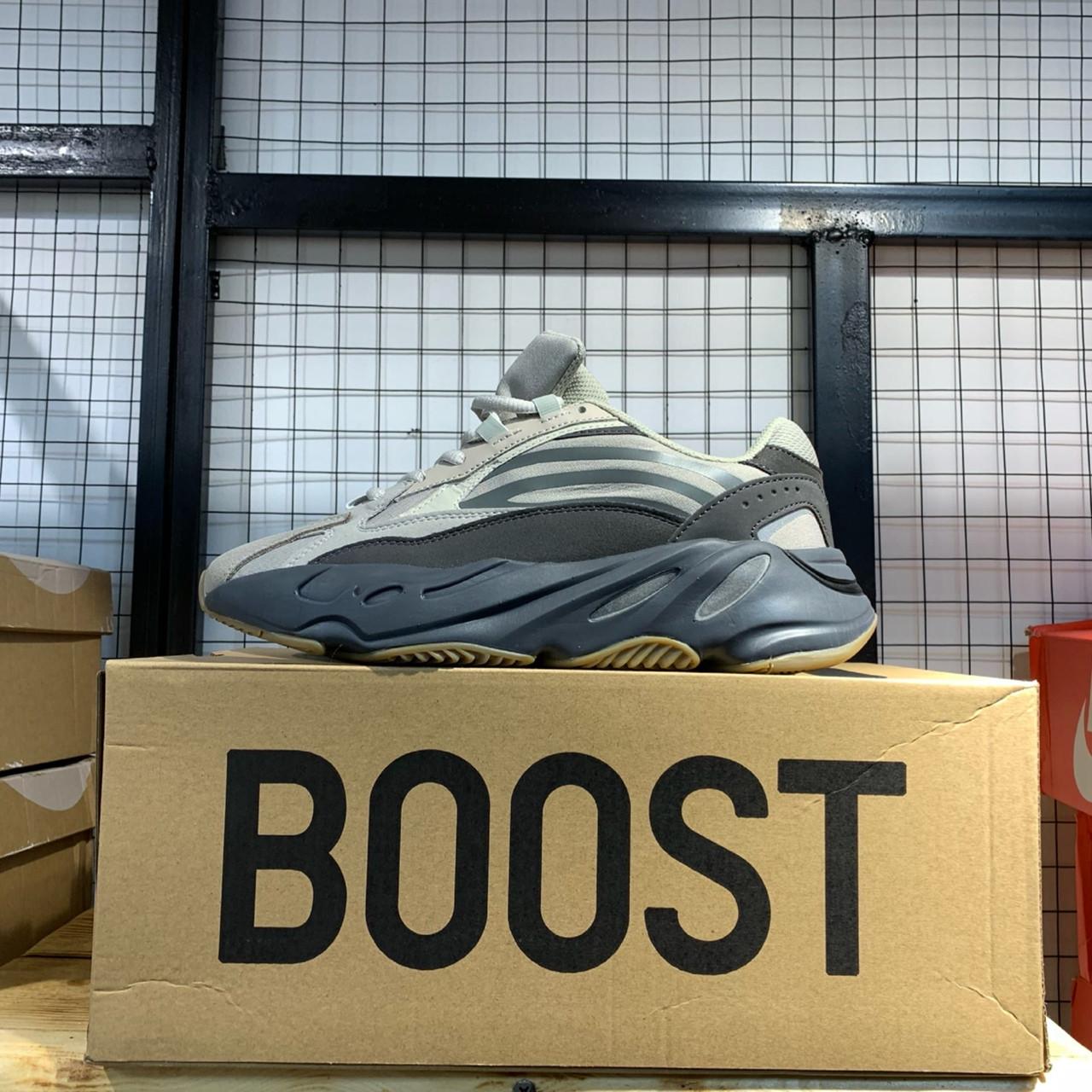 "Adidas Yeezy 700 V2 ""Tephra"" - фото 2"