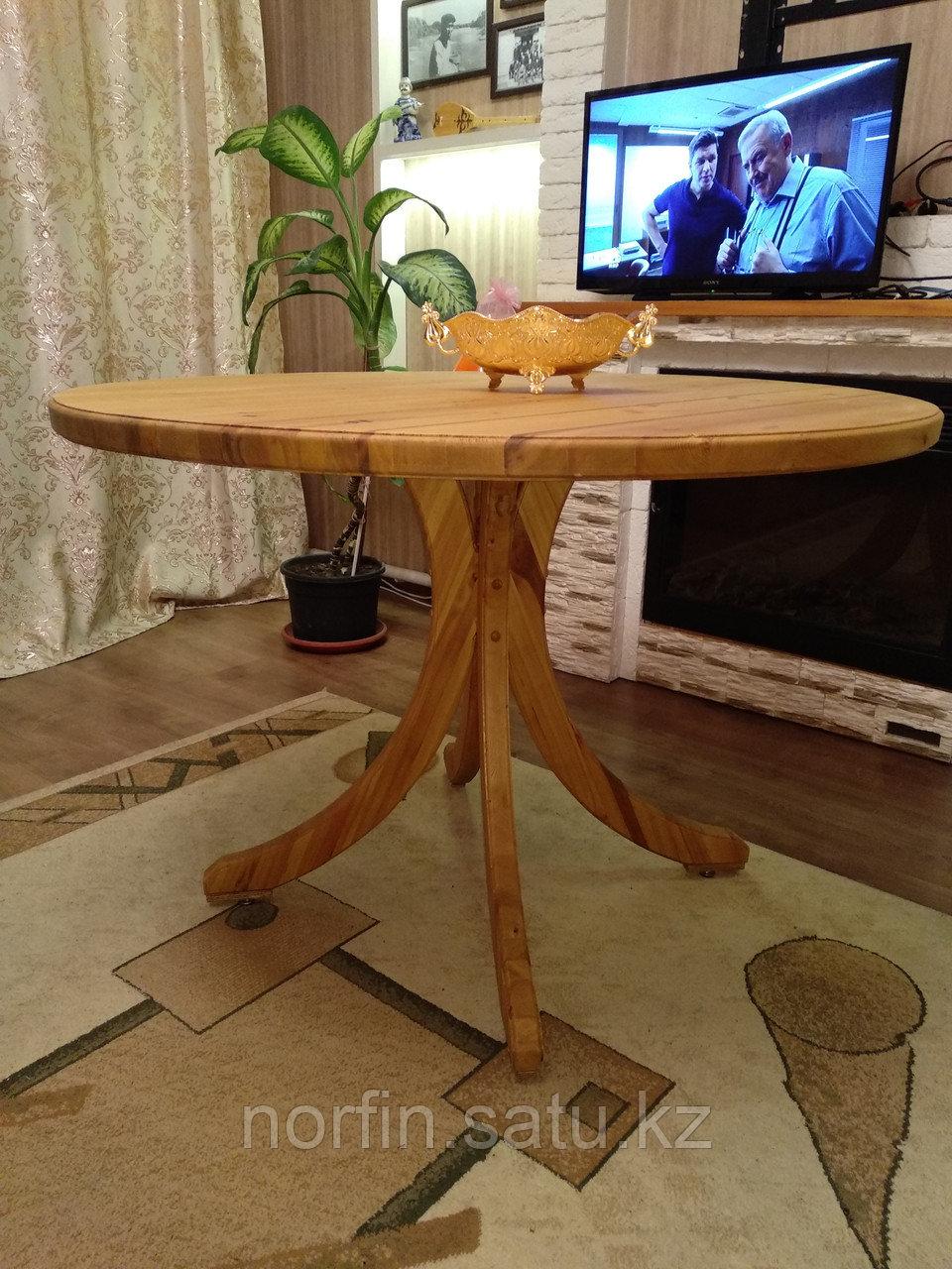 Деревянный обеденный круглый стол из массива дерева